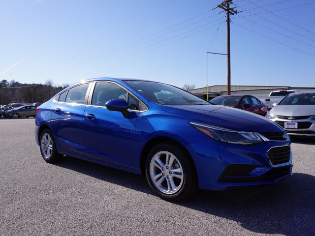 2017 Chevrolet Cruze LT Harrison, Arkansas 3
