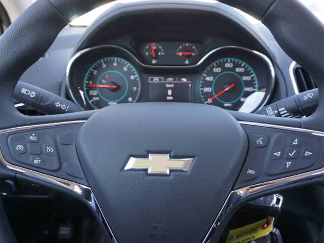 2017 Chevrolet Cruze LT Harrison, Arkansas 7