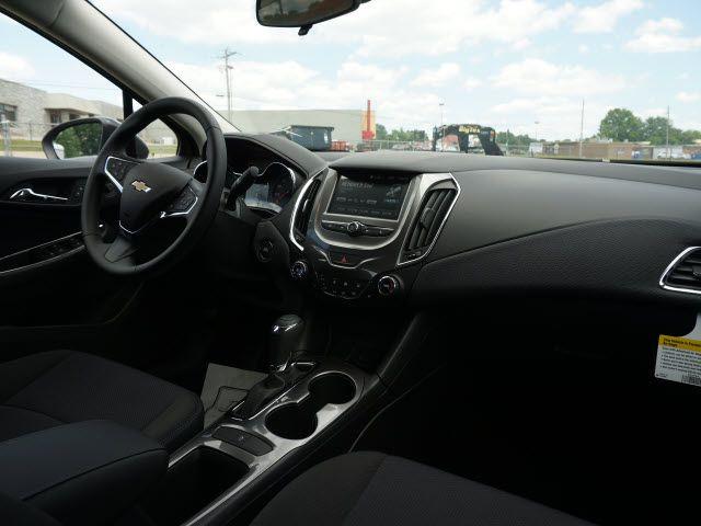 2017 Chevrolet Cruze LT Harrison, Arkansas 4