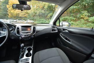 2017 Chevrolet Cruze LT Naugatuck, Connecticut 17