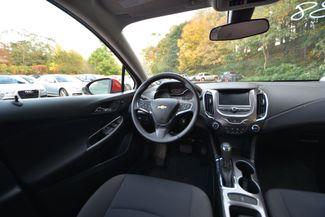 2017 Chevrolet Cruze LT Naugatuck, Connecticut 11