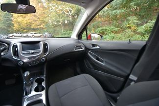 2017 Chevrolet Cruze LT Naugatuck, Connecticut 13