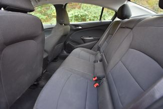 2017 Chevrolet Cruze LT Naugatuck, Connecticut 9