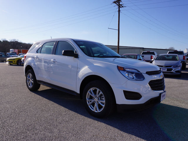 2017 Chevrolet Equinox LS Harrison, Arkansas 3