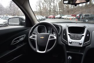 2017 Chevrolet Equinox LT Naugatuck, Connecticut 14