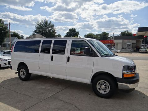 2017 Chevrolet Express Passenger LT | Paragould, Arkansas | Hoppe Auto Sales, Inc. in Paragould, Arkansas