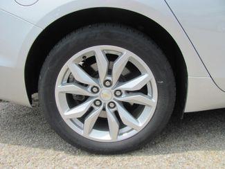 2017 Chevrolet Impala LT Dickson, Tennessee 5