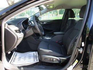 2017 Chevrolet Malibu LT Miami, Florida 4