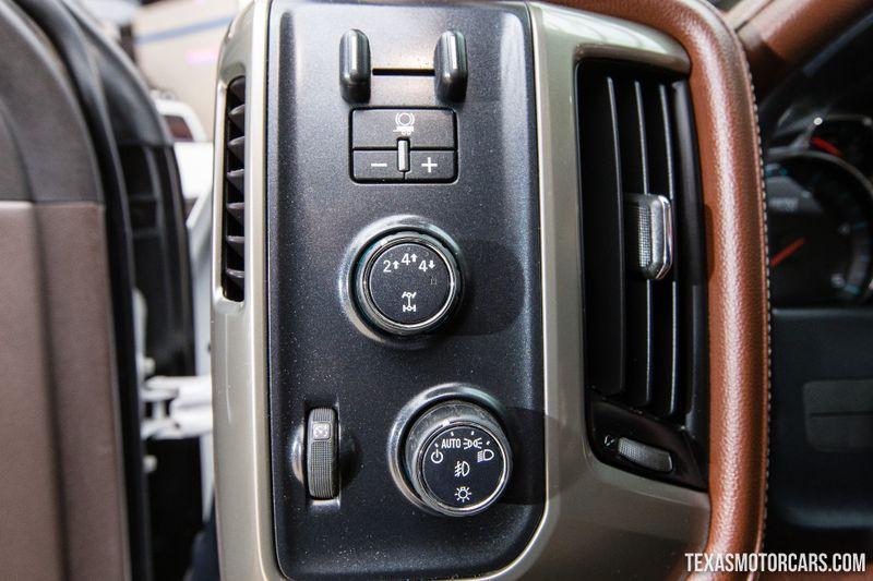2017 Chevrolet Silverado 3500HD High Country 4X4 Dually  in Addison, Texas