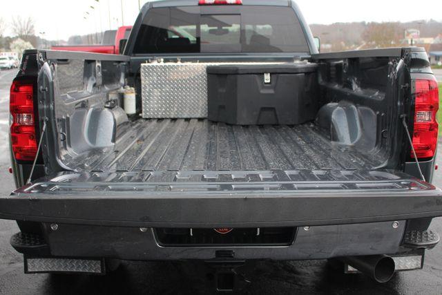 2017 Chevrolet Silverado 3500HD LTZ PLUS Crew Cab Long Bed DRW 4x4 - DURAMAX PLUS! Mooresville , NC 17