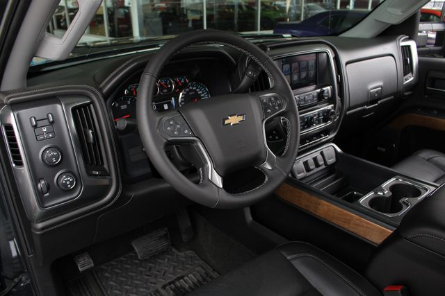 2017 Chevrolet Silverado 3500HD LTZ PLUS Crew Cab Long Bed DRW 4x4 - DURAMAX PLUS! Mooresville , NC 35