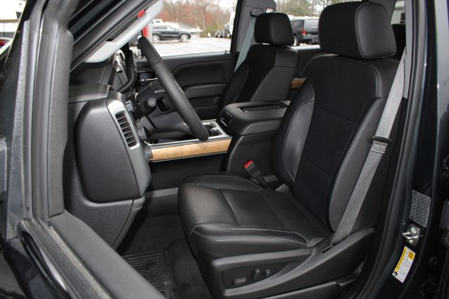 2017 Chevrolet Silverado 3500HD LTZ PLUS Crew Cab Long Bed DRW 4x4 - DURAMAX PLUS! Mooresville , NC 7
