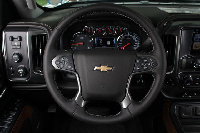 2017 Chevrolet Silverado 3500HD LTZ PLUS Crew Cab Long Bed DRW 4x4 - DURAMAX PLUS! Mooresville , NC 5