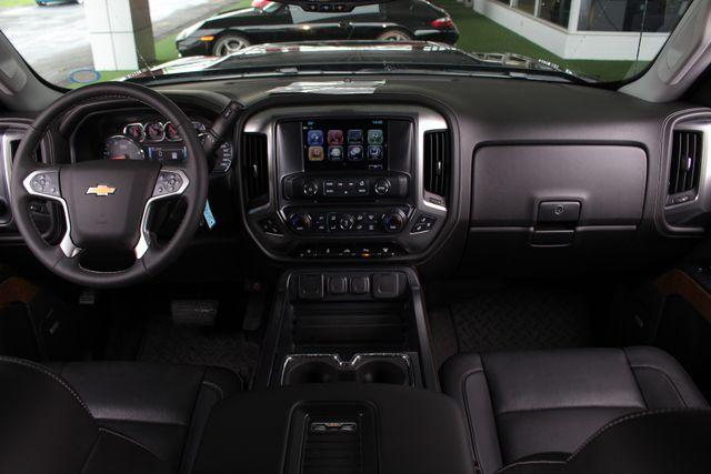 2017 Chevrolet Silverado 3500HD LTZ PLUS Crew Cab Long Bed DRW 4x4 - DURAMAX PLUS! Mooresville , NC 32