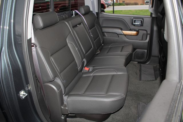 2017 Chevrolet Silverado 3500HD LTZ PLUS Crew Cab Long Bed DRW 4x4 - DURAMAX PLUS! Mooresville , NC 11