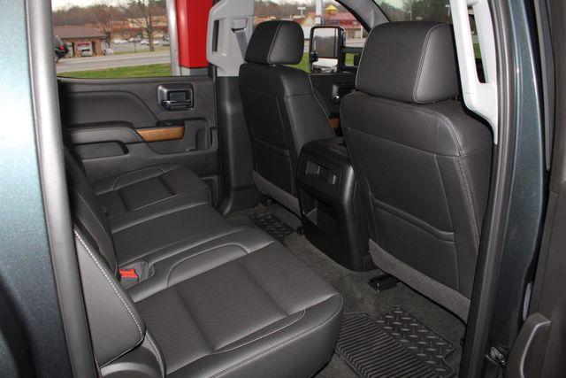 2017 Chevrolet Silverado 3500HD LTZ PLUS Crew Cab Long Bed DRW 4x4 - DURAMAX PLUS! Mooresville , NC 43