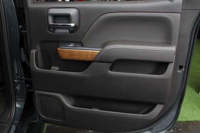2017 Chevrolet Silverado 3500HD LTZ PLUS Crew Cab Long Bed DRW 4x4 - DURAMAX PLUS! Mooresville , NC 47