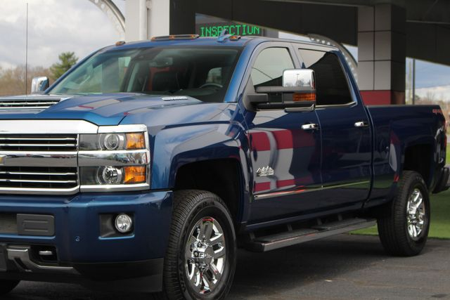 2017 Chevrolet Silverado 3500HD High Country Crew Cab 4x4 - NAV - SUNROOF! Mooresville , NC 26