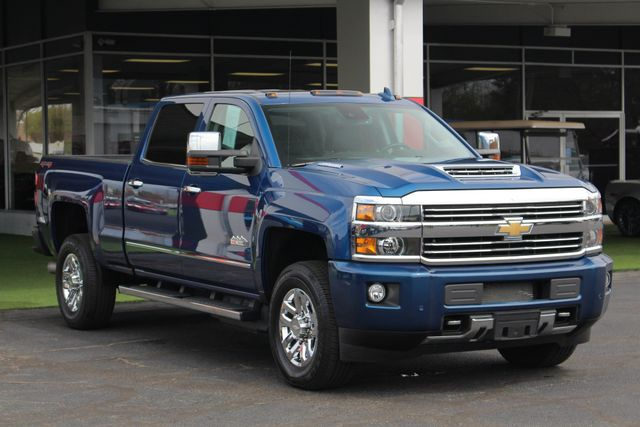 2017 Chevrolet Silverado 3500HD High Country Crew Cab 4x4 - NAV - SUNROOF! Mooresville , NC 23
