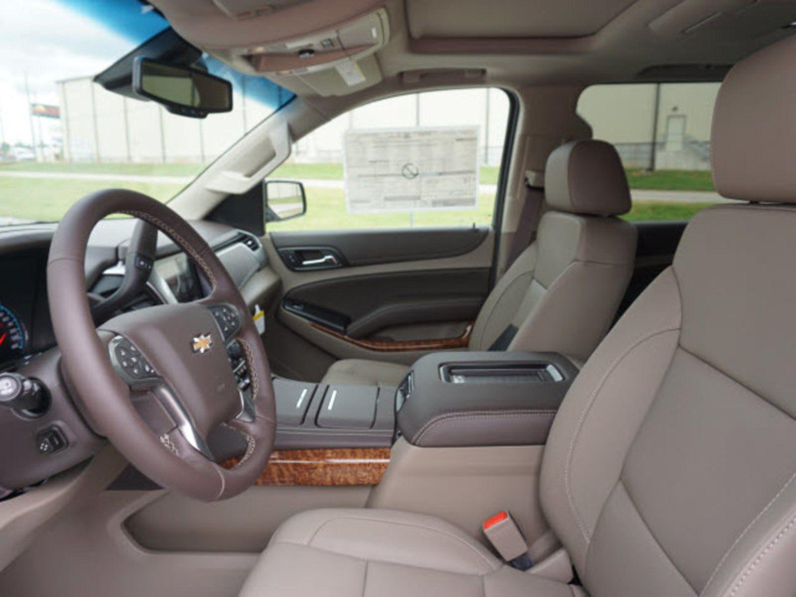100 Chevrolet Suburban 8 Seater Interior 1979