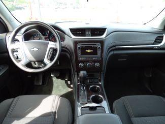 2017 Chevrolet Traverse LT Valparaiso, Indiana 8