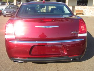 2017 Chrysler 300 300C Batesville, Mississippi 11