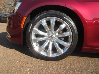 2017 Chrysler 300 300C Batesville, Mississippi 15