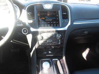 2017 Chrysler 300 300C Batesville, Mississippi 24