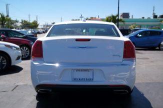 2017 Chrysler 300 300C Hialeah, Florida 30