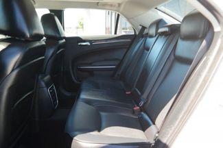 2017 Chrysler 300 300C Hialeah, Florida 35