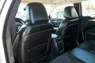 2017 Chrysler 300 300C Hialeah, Florida 36