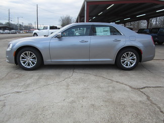 2017 Chrysler 300 Limited Houston, Mississippi 2