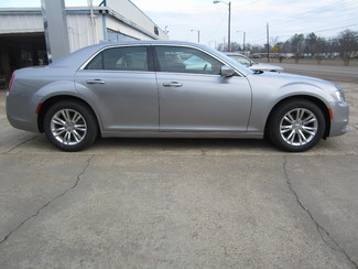 2017 Chrysler 300 Limited Houston, Mississippi 3