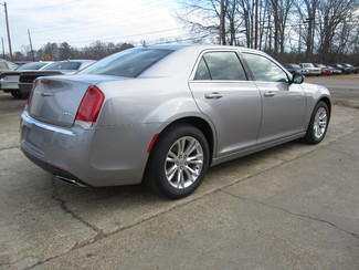2017 Chrysler 300 Limited Houston, Mississippi 4