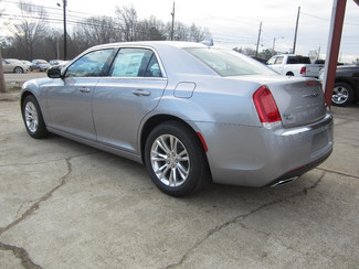 2017 Chrysler 300 Limited Houston, Mississippi 5