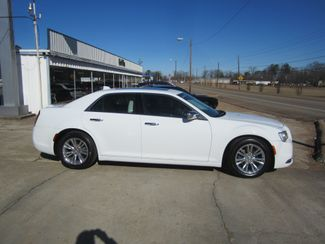 2017 Chrysler 300 300C Houston, Mississippi 3