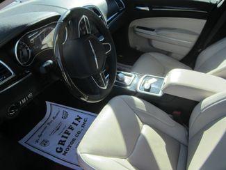 2017 Chrysler 300 300C Houston, Mississippi 6