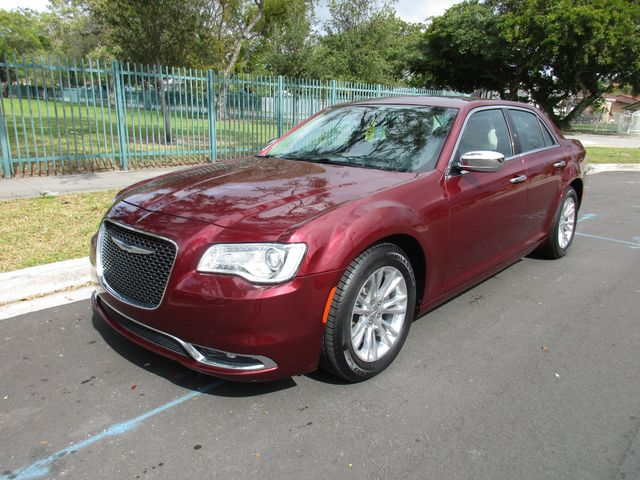2017 Chrysler 300 300C Come and visit us at wwwoceanautosalescom for our expanded inventory Thi