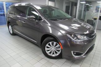 2017 Chrysler Pacifica Touring-L W/ NAVIGATION SYSTEM/ BACK UP CAM Chicago, Illinois 1