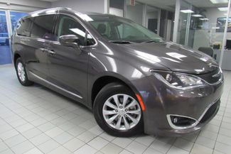 2017 Chrysler Pacifica Touring-L W/ NAVIGATION SYSTEM/ BACK UP CAM Chicago, Illinois