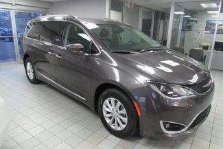 2017 Chrysler Pacifica Touring-L W/ NAVIGATION SYSTEM/ BACK UP CAM Chicago, Illinois 2