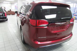 2017 Chrysler Pacifica Touring-L W/ NAVIGATION SYSTEM/BACK UP CAM Chicago, Illinois 4