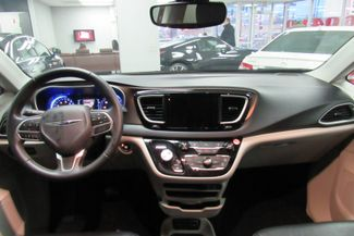 2017 Chrysler Pacifica Touring-L W/ NAVIGATION SYSTEM/BACK UP CAM Chicago, Illinois 10