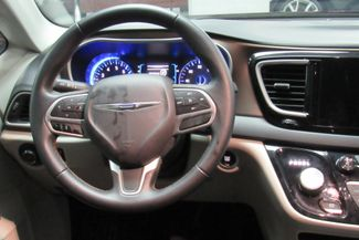 2017 Chrysler Pacifica Touring-L W/ NAVIGATION SYSTEM/BACK UP CAM Chicago, Illinois 11
