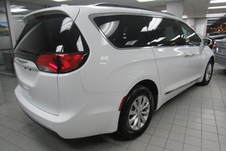 2017 Chrysler Pacifica Touring-L W/ BACK UP CAM Chicago, Illinois 8