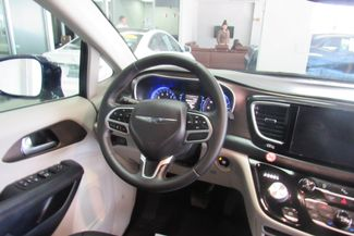 2017 Chrysler Pacifica Touring-L W/ BACK UP CAM Chicago, Illinois 22