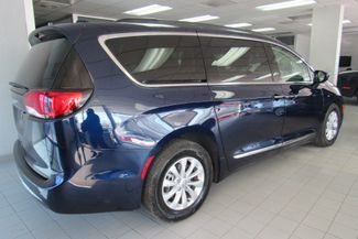 2017 Chrysler Pacifica Touring-L W/ BACK UP CAM Chicago, Illinois 5