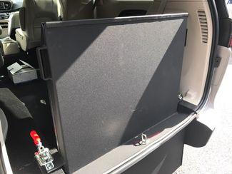 2017 Chrysler Pacifica Handicap wheelchair accessible Dallas, Georgia 15