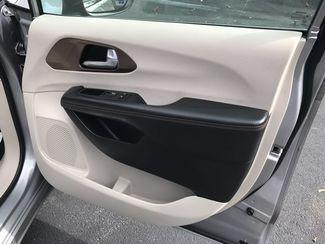 2017 Chrysler Pacifica Handicap wheelchair accessible Dallas, Georgia 25