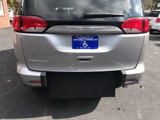 2017 Chrysler Pacifica Handicap wheelchair accessible Dallas, Georgia 14